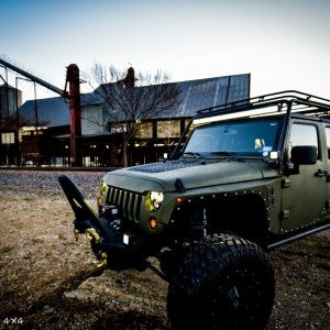 Baylor Bears Jeep Wrangler with Headlights On