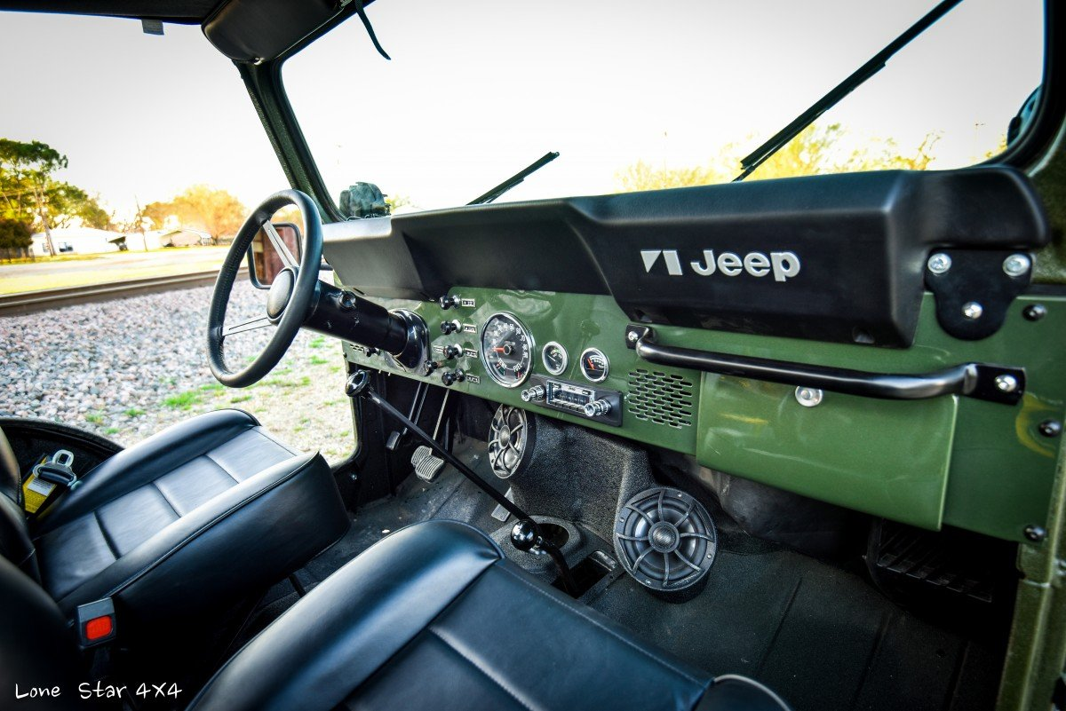 1979 CJ5 Dashboard