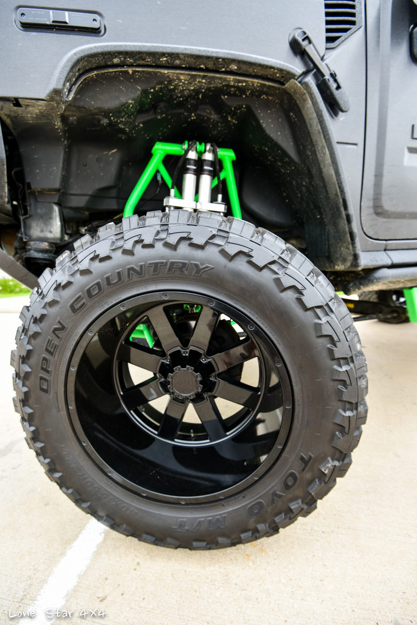 Custom Hummer H2 Open Country Tire