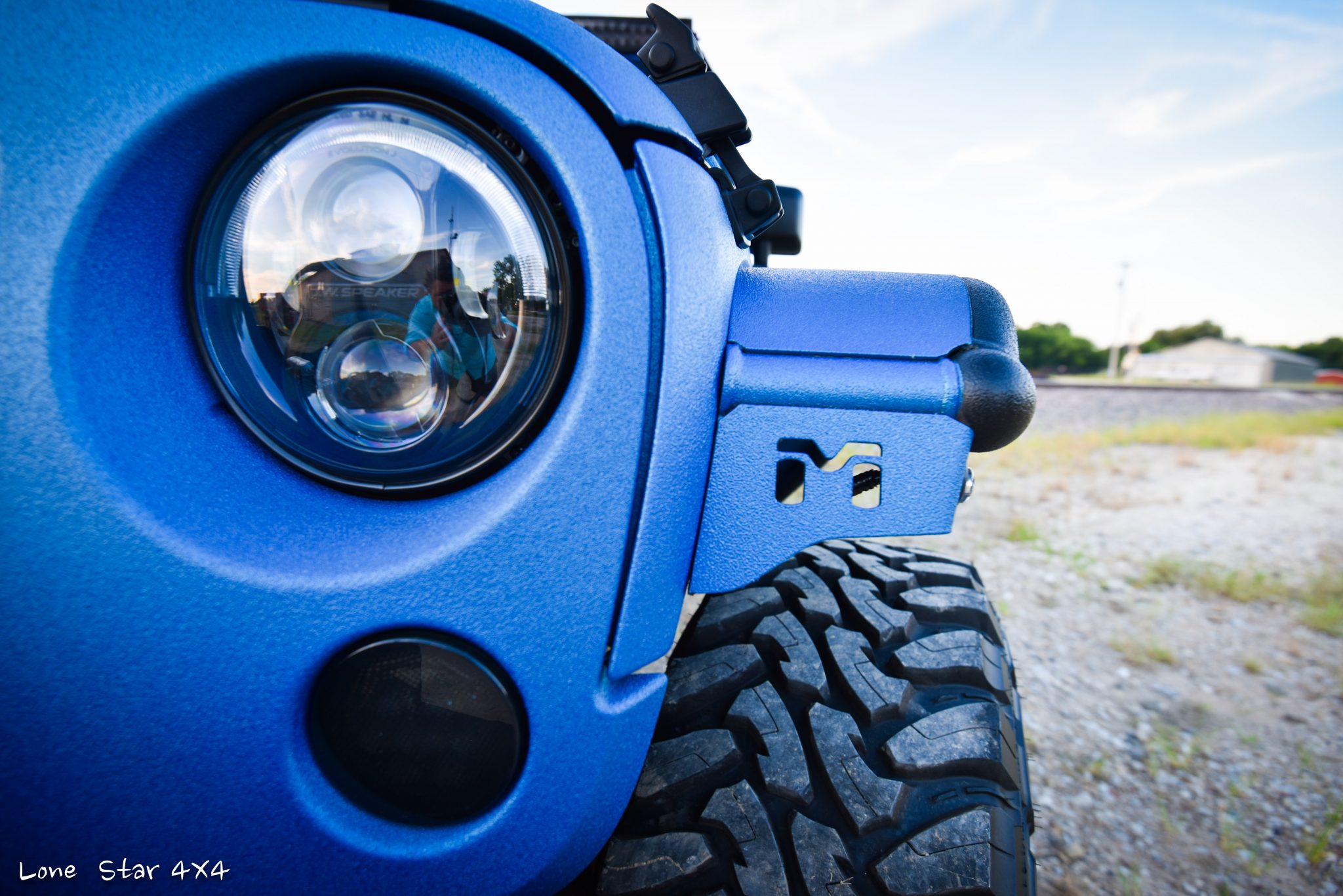Sprayed Blue Jeep Rubicon Headlight